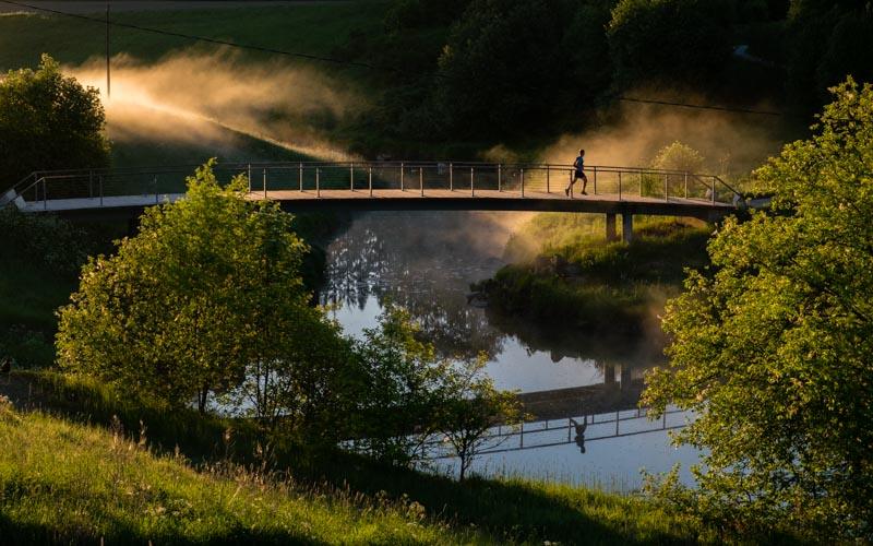 sunrise bridge runner